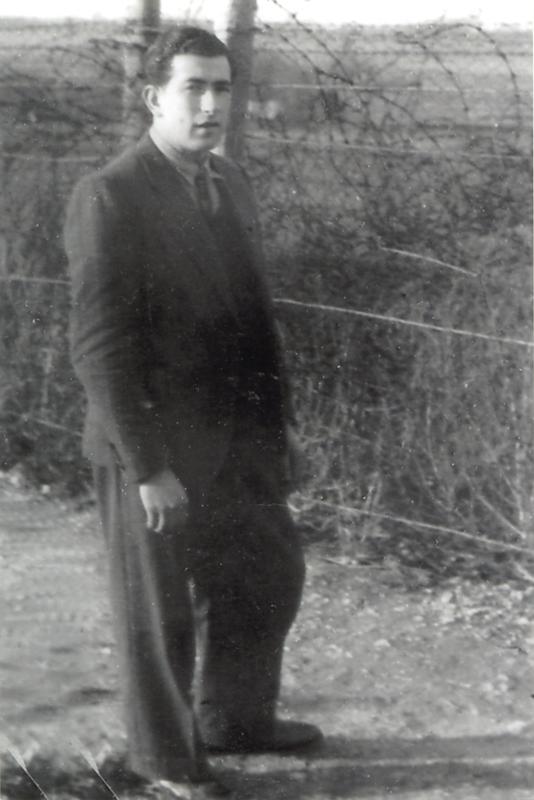 Zelman Brajer au camp de Beaune-la-Rolande (entre mai 1941 et juin 1942, sd). Archives familiales