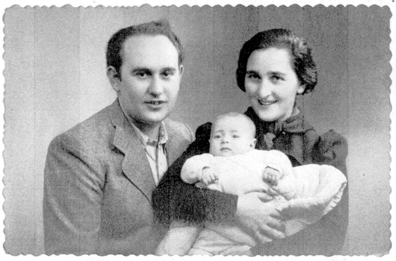 Julius et Yetty Ladenheim avec leur fils Marcel (1939? sd, sl). Archives familiales