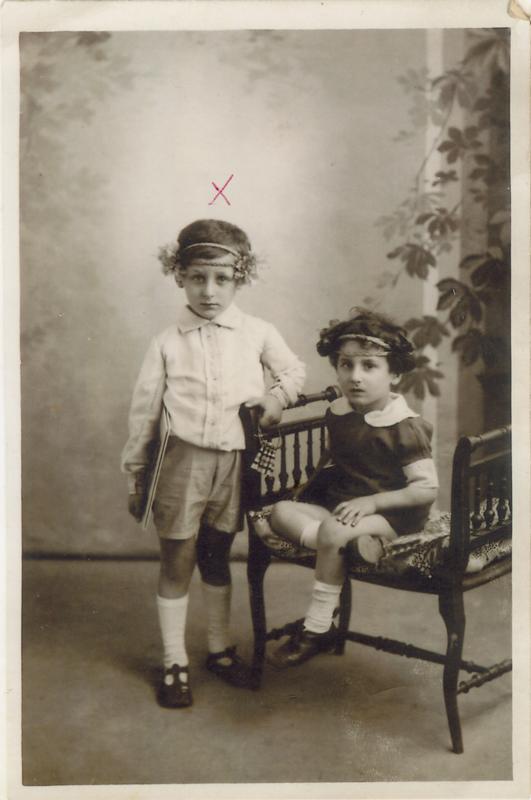 Symcha-Binem (Bernard) Wajngart (né en 1922), à gauche (sd, sl). Archives familiales