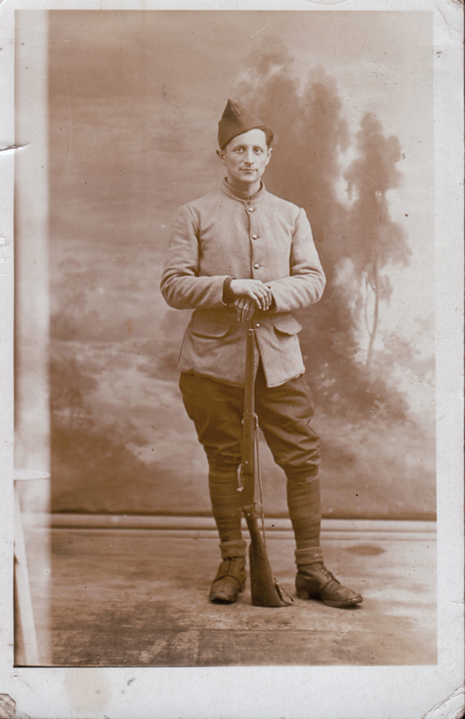 Abraham Bursztejn engagé volontaire dans l'armée polonaise (10 février 1940, Coëtquidan). Archives familiales