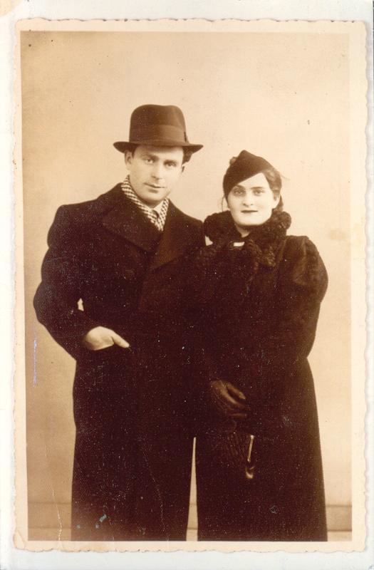 Chil et Chaja Ostrowiecki (1937 ou 1938, sl). Archives familiales
