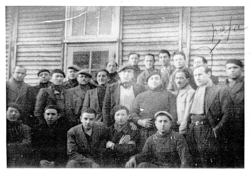 Israël Pesses au camp de Pithiviers (entre mai 1941 et juin 1942, sd). Archives familiales