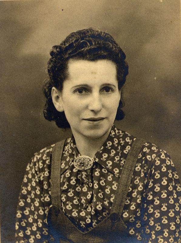 Gitla Pfefer en 1940. Archives familiales