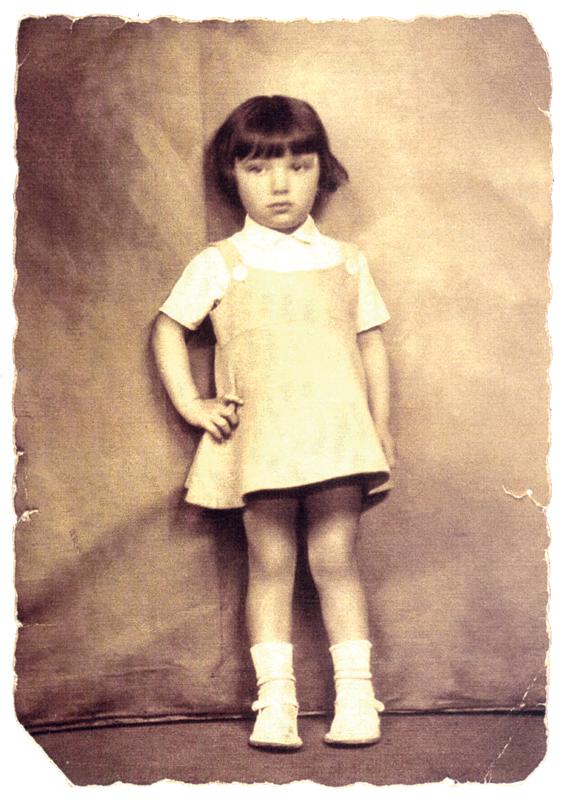 Jeanine Stickgold (22 juillet 1930, sl). Archives familiales