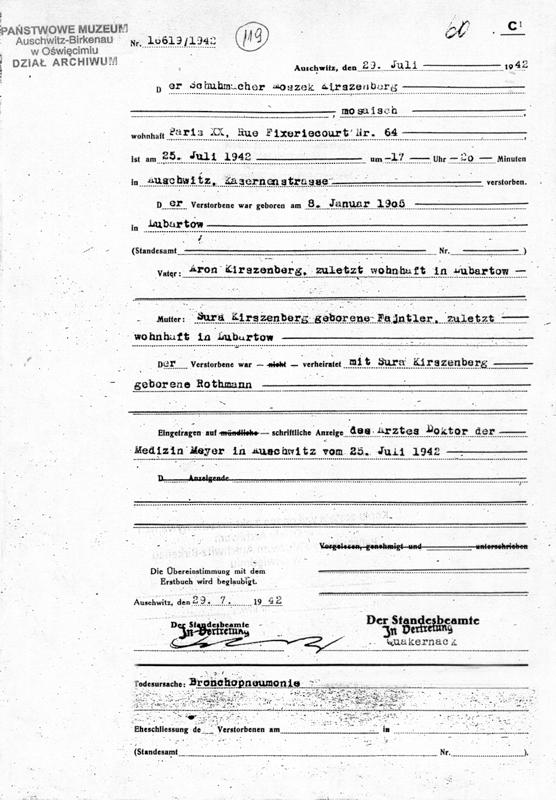 Formulaire rempli au camp d'Auschwitz. Acte de décès de Moszek Kirszenberg, selon lequel il serait décédé d'une broncho-pneumonie. Archives du Musée d'Auschwitz