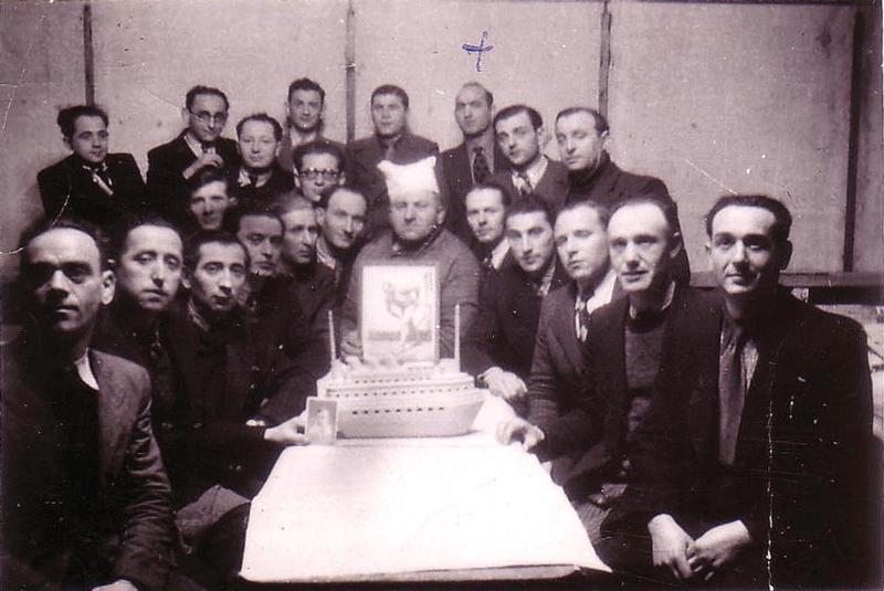Au camp de Pithiviers, le 11 janvier 1942. Mosjez Stoczyk est signalé par une croix. Archives familiales