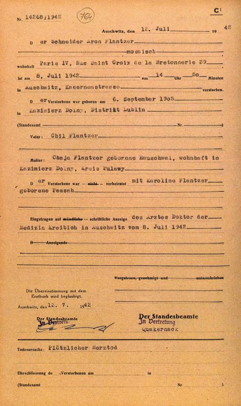 Formulaire rempli au camp d'Auschwitz. Acte de décès d'Aron Flantzer. Il serait décédé d'une crise cardiaque. Archives du Musée d'Auschwitz
