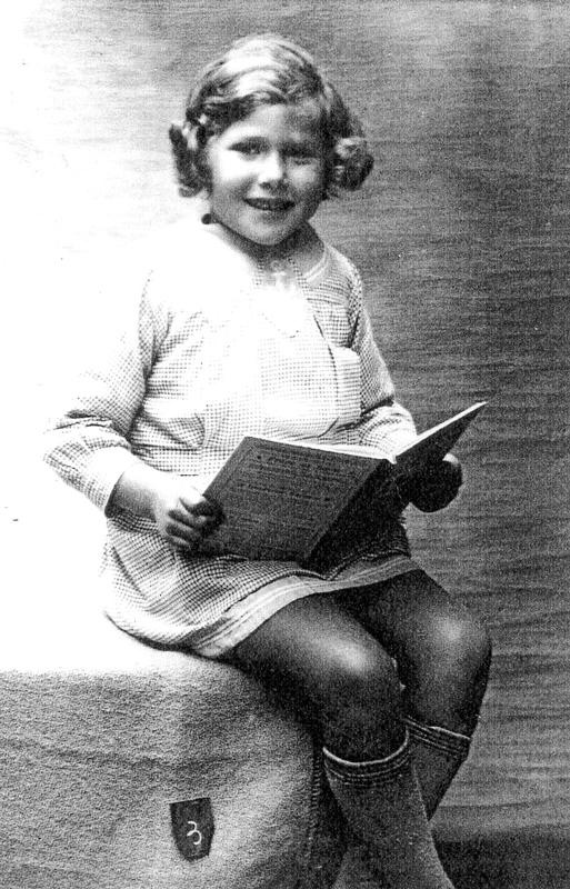 Berthe Jungchauz, que ses parents appelaient Blanchette (sd, sl). Archives familiales