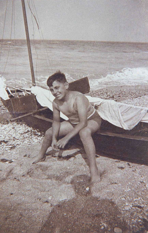 Dan Levinsky (sd, sl). Archives familiales