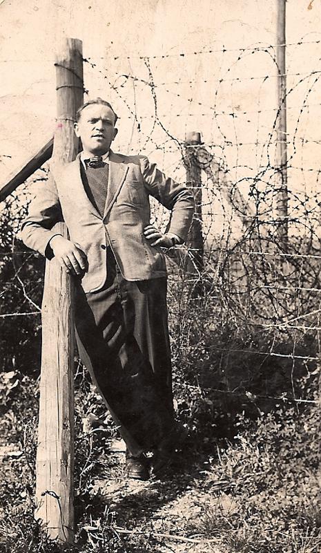 Mordka-Rafal Wisnieski au camp de Beaune-la-Rolande (10 juin 1942). Archives familiales
