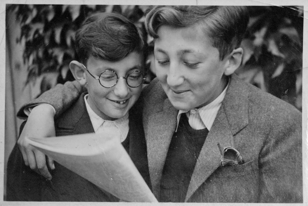 Albert et Jacki (sd, sl). Archives familiales