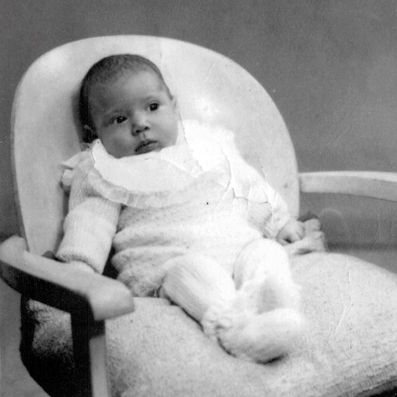 Léna Dymetman, bébé (1940, sl). Archives familiales