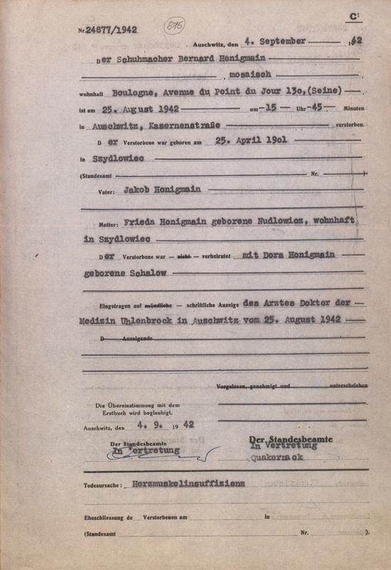Formulaire rempli au camp d'Auschwitz. Acte de décès de Bernard Honigman. Il serait décédé d'insuffisance cardiaque. Archives du Musée d'Auschwitz