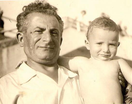 Abraham Kreps (et son fils Daniel? août 1952, Saint-Raphaël). Archives familiales