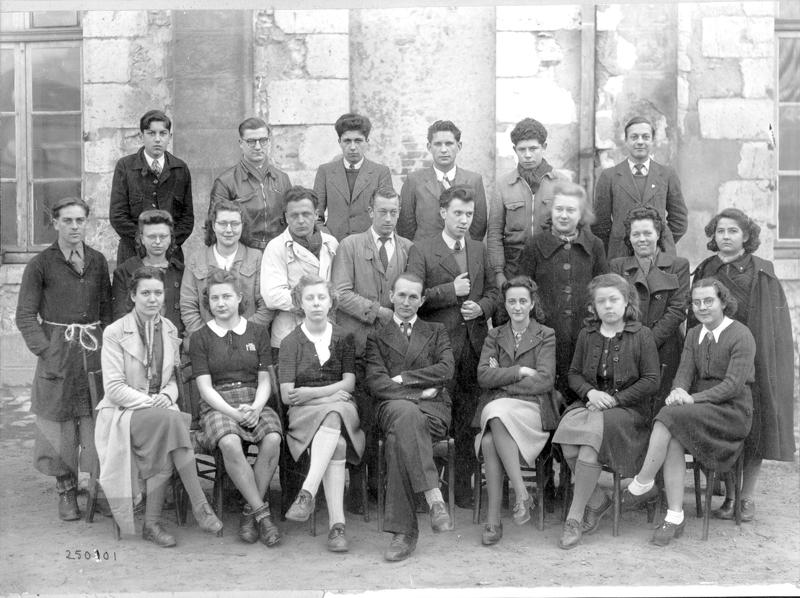 Dan Levinsky en Terminale au collège de Montargis, le 1er à gauche au dernier rang (sd, sl). Archives familiales