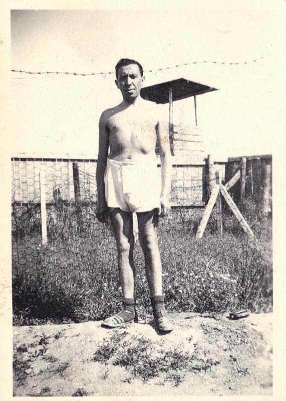 Joseph Szajn au camp de Beaune-la-Rolande (entre mai 1941 et juin 1942, sd). Archives familiales