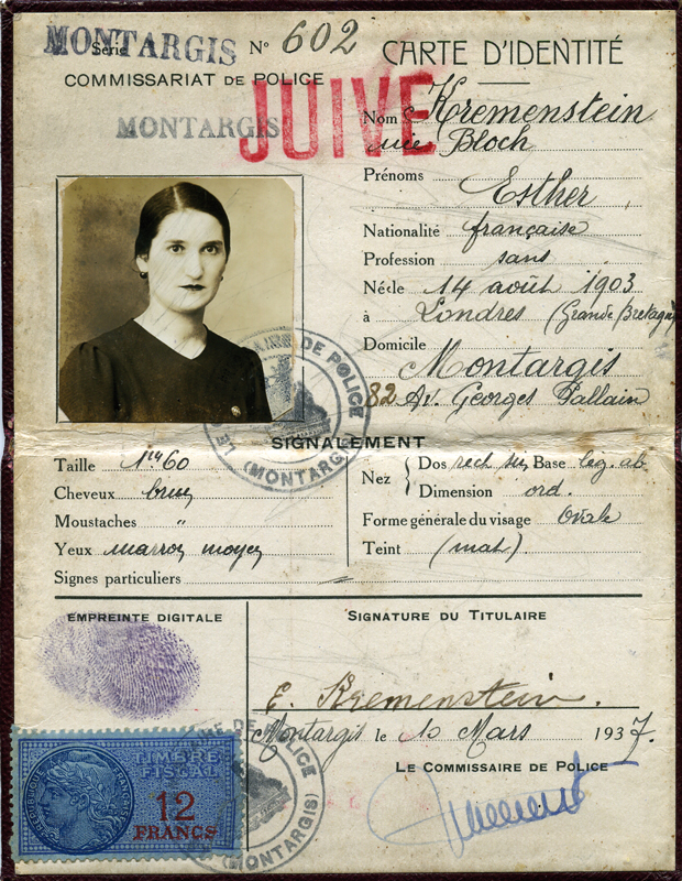 Carte d'identité d'Esther Kremenstein, tamponnée de la mention « JUIVE ». Archives familiales