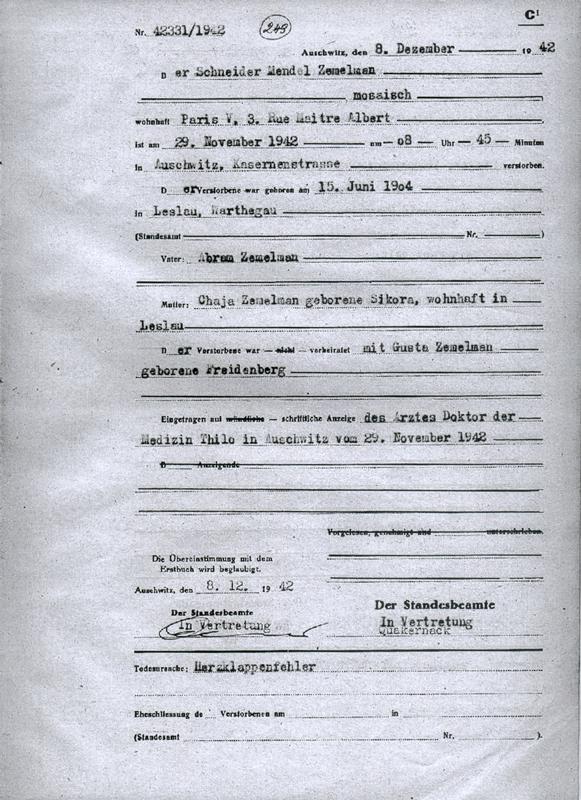 Formulaire rempli au camp d'Auschwitz. Acte de décès de Mendel Zemelman, selon lequel il serait décédé des suites d'une défaillance cardiaque. Archives du Musée d'Auschwitz