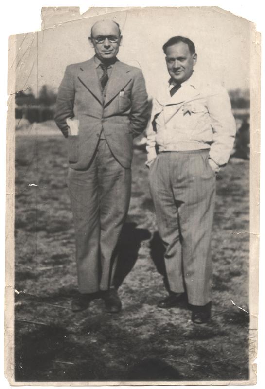 Israël Cendorf et Mendel Zemelman, respectivement auteur et compositeur du Chant de Pithiviers (entre mai 1941 et juin 1942, sd, camp de Pithiviers). Archives familiales