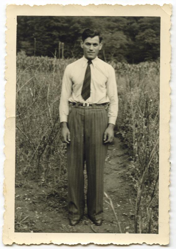Albert Schlanger en Suisse, au camp de Mezzovico (sd). Archives familiales