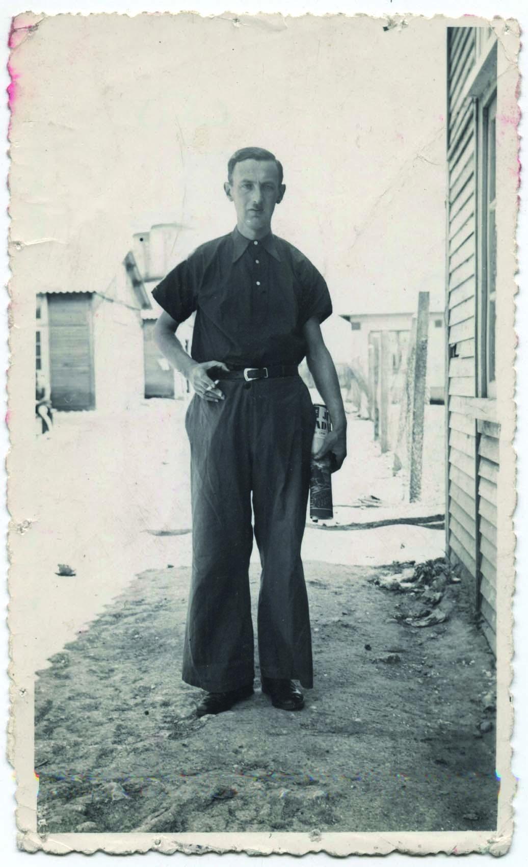Nuta Szister au camp de Beaune-la-Rolande (entre mai 1941 et juin 1942, sd). Archives Jacqueline Bismuth-Szister / TDR Cercil