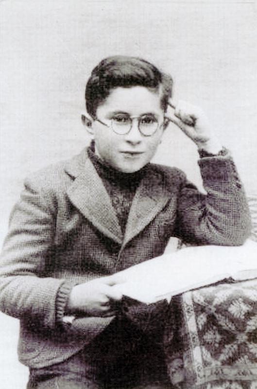 Joseph Gutman, fils d'Abraham, déporté le 11 septembre 1942 par le convoi 31 avec sa mère Ita, après qu'ils ont été internés au camp de Drancy (sl, sd). Archives familiales