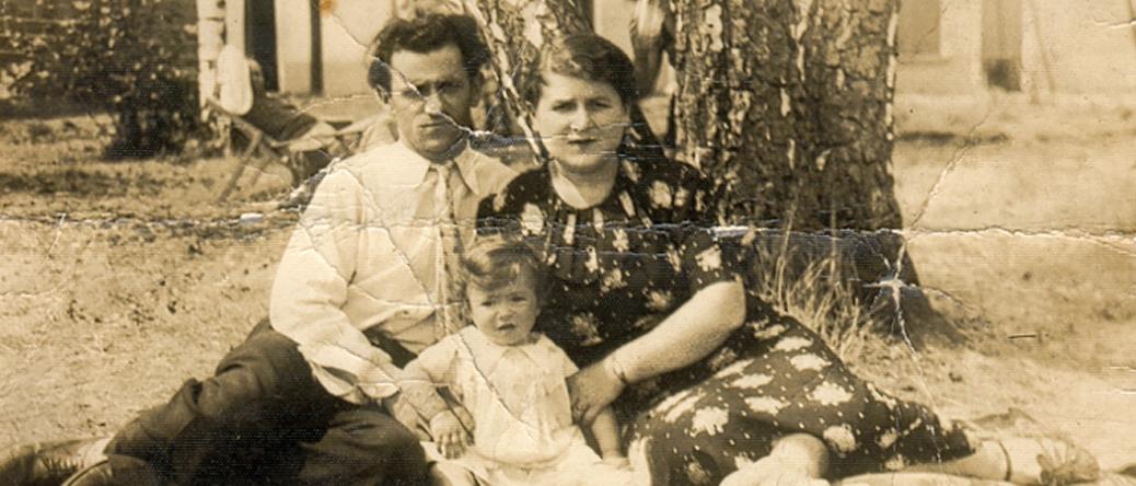 Majer et sa femme Bajla Grinstein avec leur fille Suzanne (sd, sl). Archives familiales