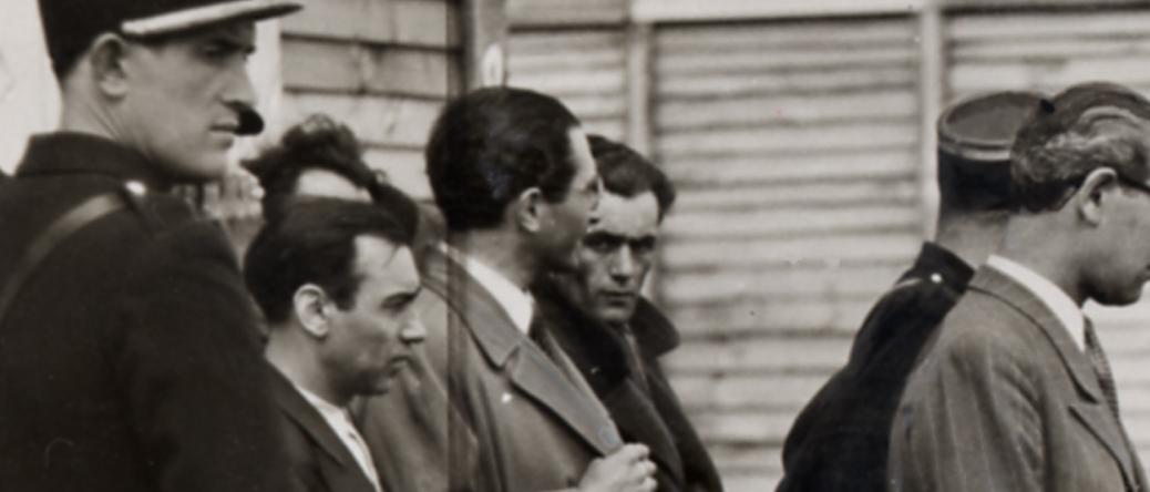 Abraham Mlotek, fixant le photographe (photo de presse, 16 mai 1941). Collection Musée de la Résistance nationale - Champigny-sur-Marne