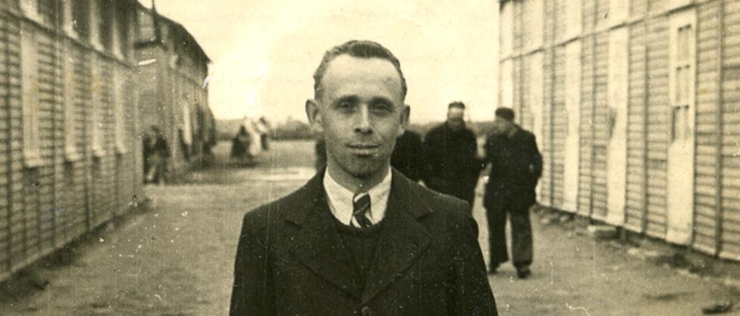 Szmul Przyszwa au camp de Beaune-la-Rolande (entre mai 1941 et juin 1942, sd). Archives familiales