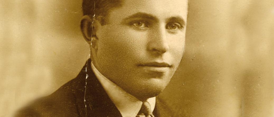 Abraham Zoltobroda à l'âge de 18 ans (1923, sl). Archives familiales