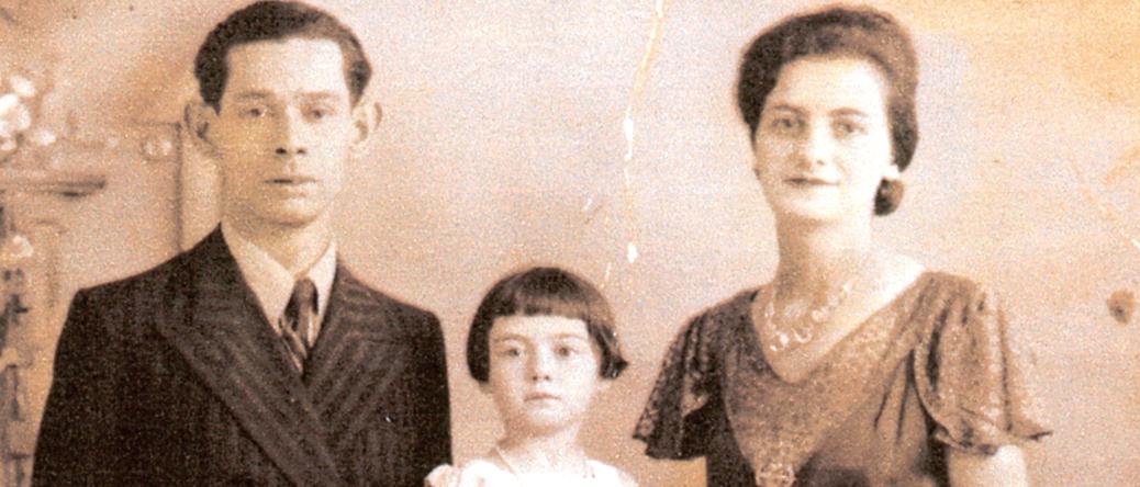 Mordko Jedynak avec son épouse Rachel et leur fille Dora (1935-1936, sd, sl). Archives familiales