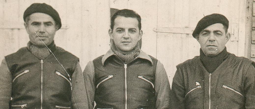 Au camp de Beaune-la-Rolande. De gauche à droite, Leiba Bekier, Moszek Psankiewicz et Abram Psankiewicz (8 janvier 1942). Archives familiales