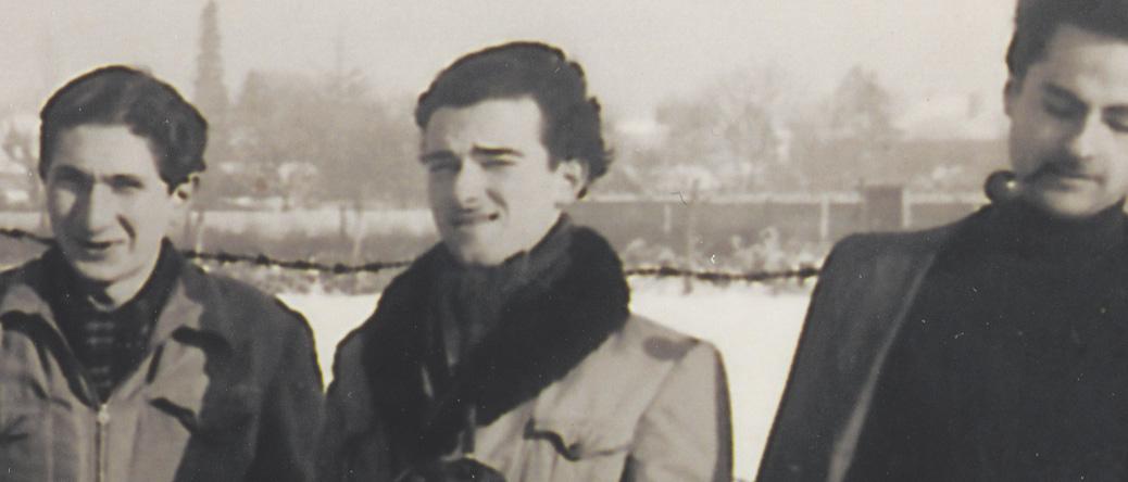 Jules Geller (au centre) au camp de Pithiviers en janvier 1942. Archives familiales