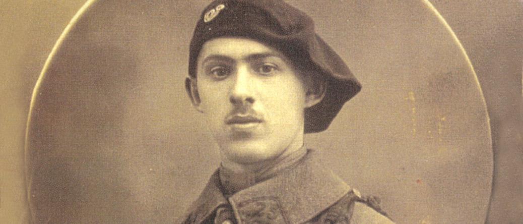 Elias Stickgold durant son service militaire (en 1920 ou 1929, sl). Archives familiales